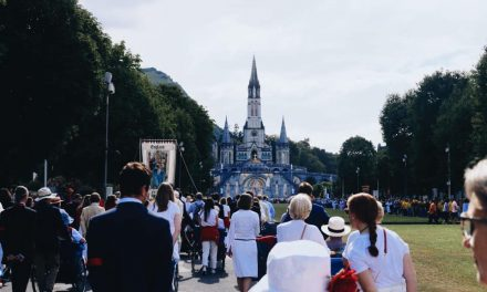 Ruth Harris's Lourdes